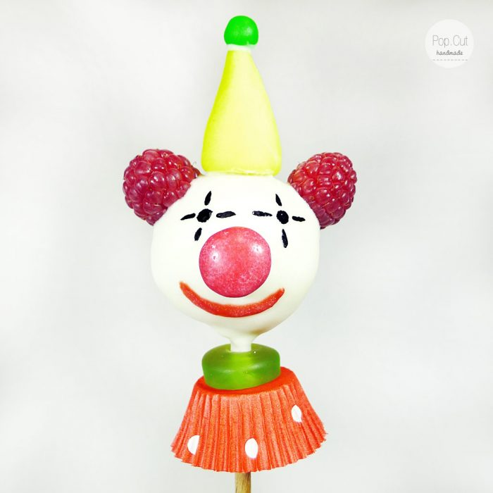 cake pop clown