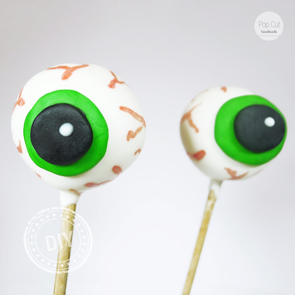 DIY Gruselauge Cake Pop